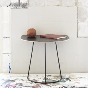 Airy Table Sidebord