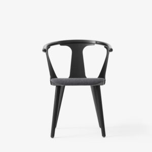 &tradition - In between chair SK2- Svart - Fiord 191