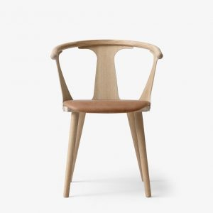 &tradition - In between chair SK2- Eik - Cognac skinn